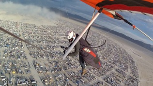 Hang-Gliding-Into-Burning-Man
