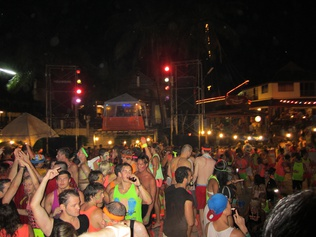 fullmoon-party-thailand-2015